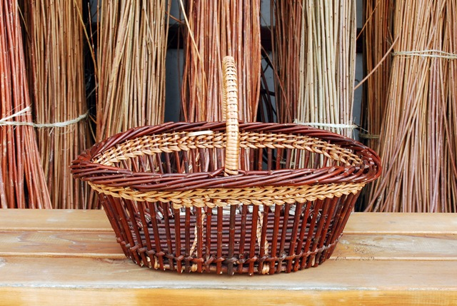 small fitched willow basket
