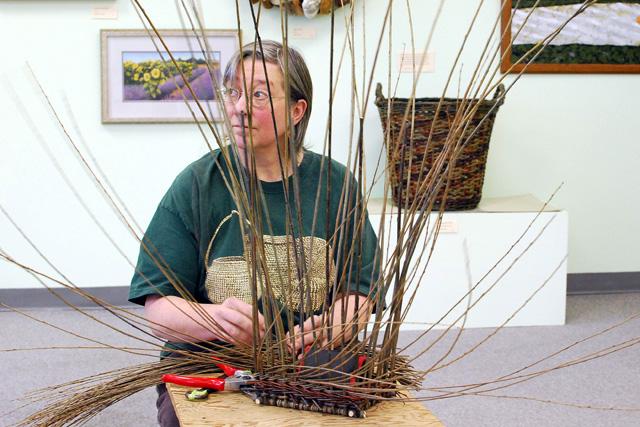 Katherine Lewis Art's Alive demo